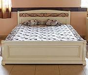 Деревянная белая кровать Виктория из дуба Явир доставка из г.Киев