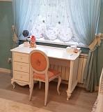 Письменный стол Эльза однотумбовый из дерева доставка из г.Киев