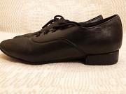 Продам танцевальные туфли на мальчика. из г. Мариуполь
