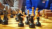 Навчу грати і вигравати в шахи (будь-який рівень). Займаюся з дітьми від 4 років і старше, а так с Київ