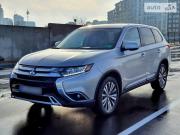 Mitsubishi Outlander – лучший внедорожник 2018! Киев